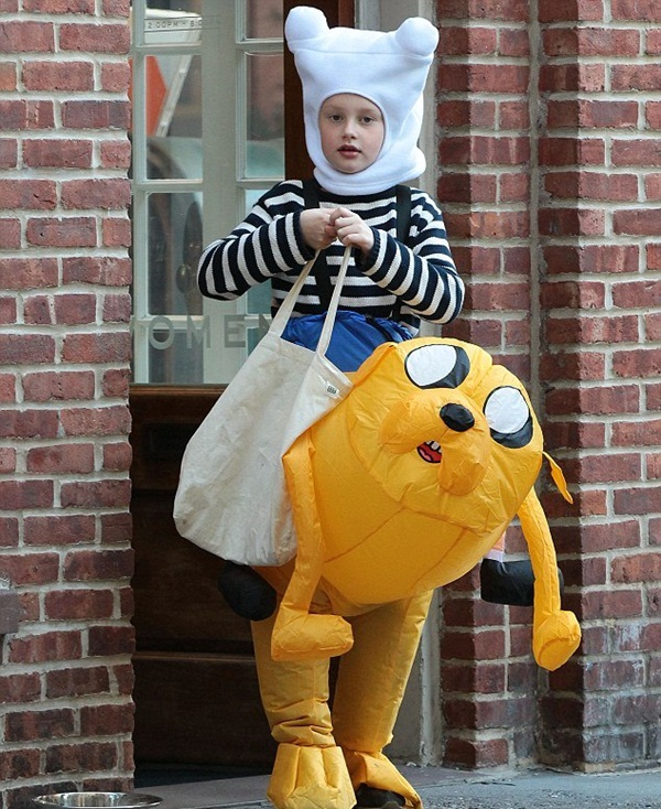 Best cartoon character costumes33