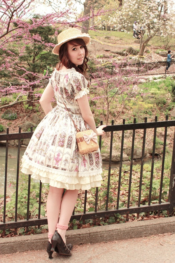 Sexy Lolita Cosplay Outfits and Ideas23-023