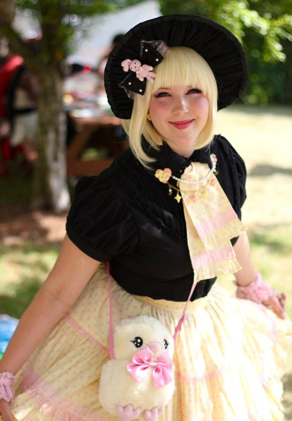 Sexy Lolita Cosplay Outfits and Ideas31-031