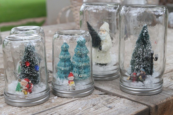 DIY Christmas Snow Globe Ideas for Kids28
