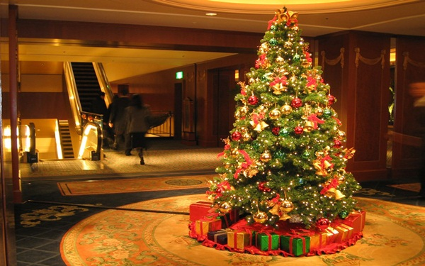 Easy Christmas tree decorating ideas10