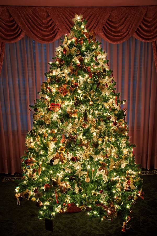 Easy Christmas tree decorating ideas16