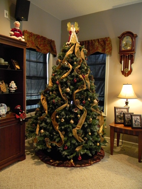 Easy Christmas tree decorating ideas17