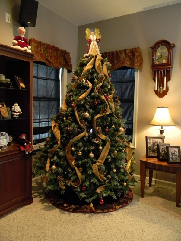 Easy Christmas tree decorating ideas33