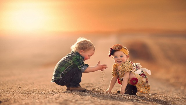 Small and Cute Baby Wallpaper download (20)