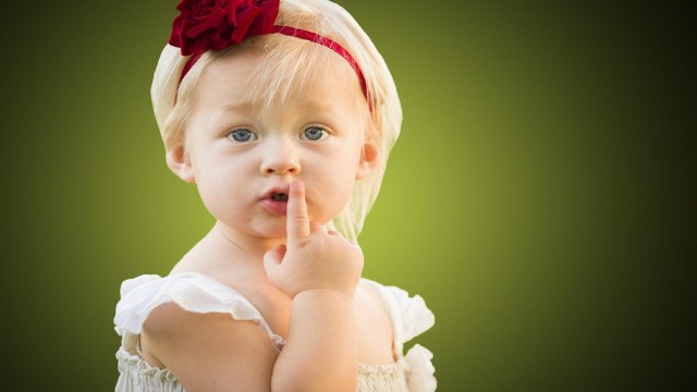 Small and Cute Baby Wallpaper download (21)