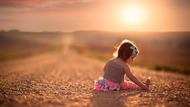 Small and Cute Baby Wallpaper download (23)