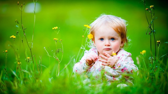 Small and Cute Baby Wallpaper download (25)