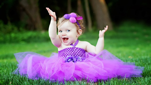Small and Cute Baby Wallpaper download (29)