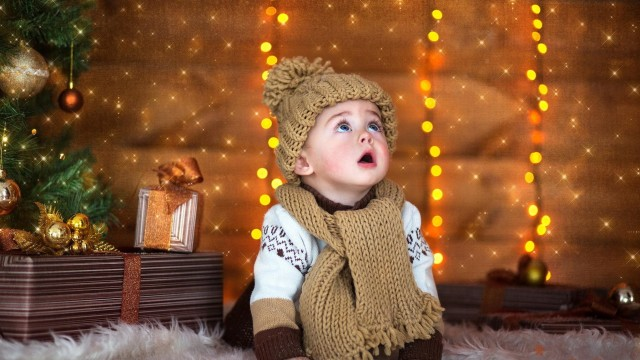 Small and Cute Baby Wallpaper download (3)