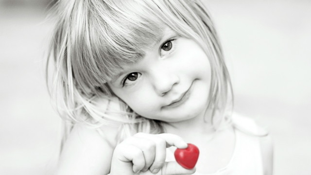 Small and Cute Baby Wallpaper download (30)