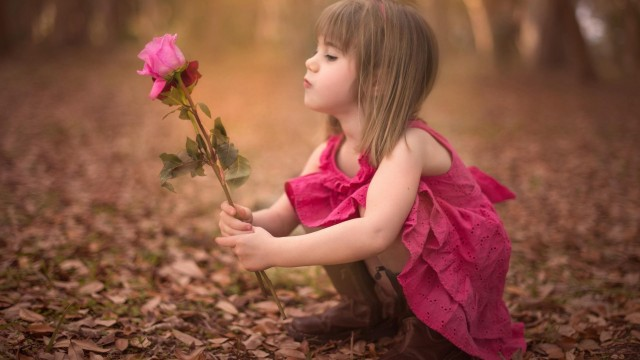 Small and Cute Baby Wallpaper download (32)