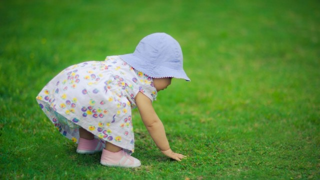 Small and Cute Baby Wallpaper download (35)