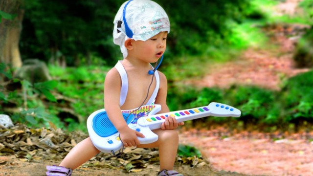 Small and Cute Baby Wallpaper download (39)