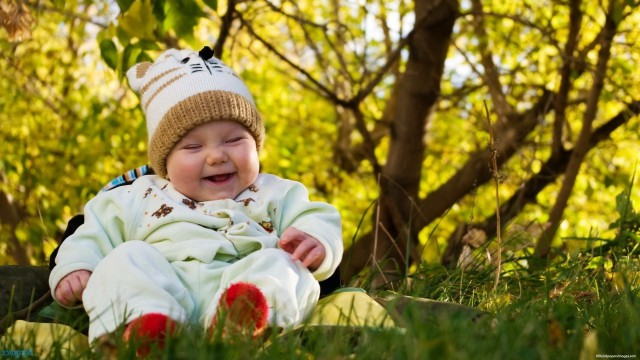 Small and Cute Baby Wallpaper download (40)