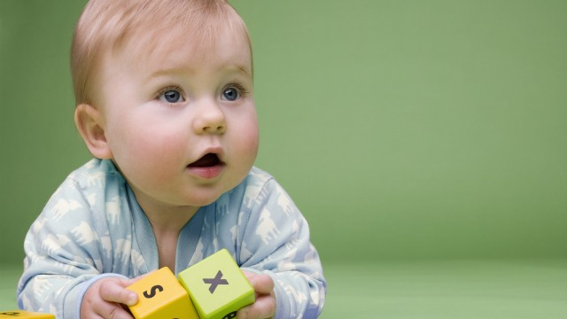 Small and Cute Baby Wallpaper download (5)