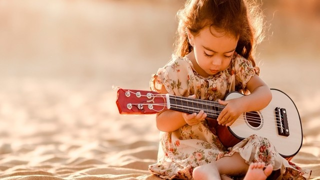 Small and Cute Baby Wallpaper download (9)