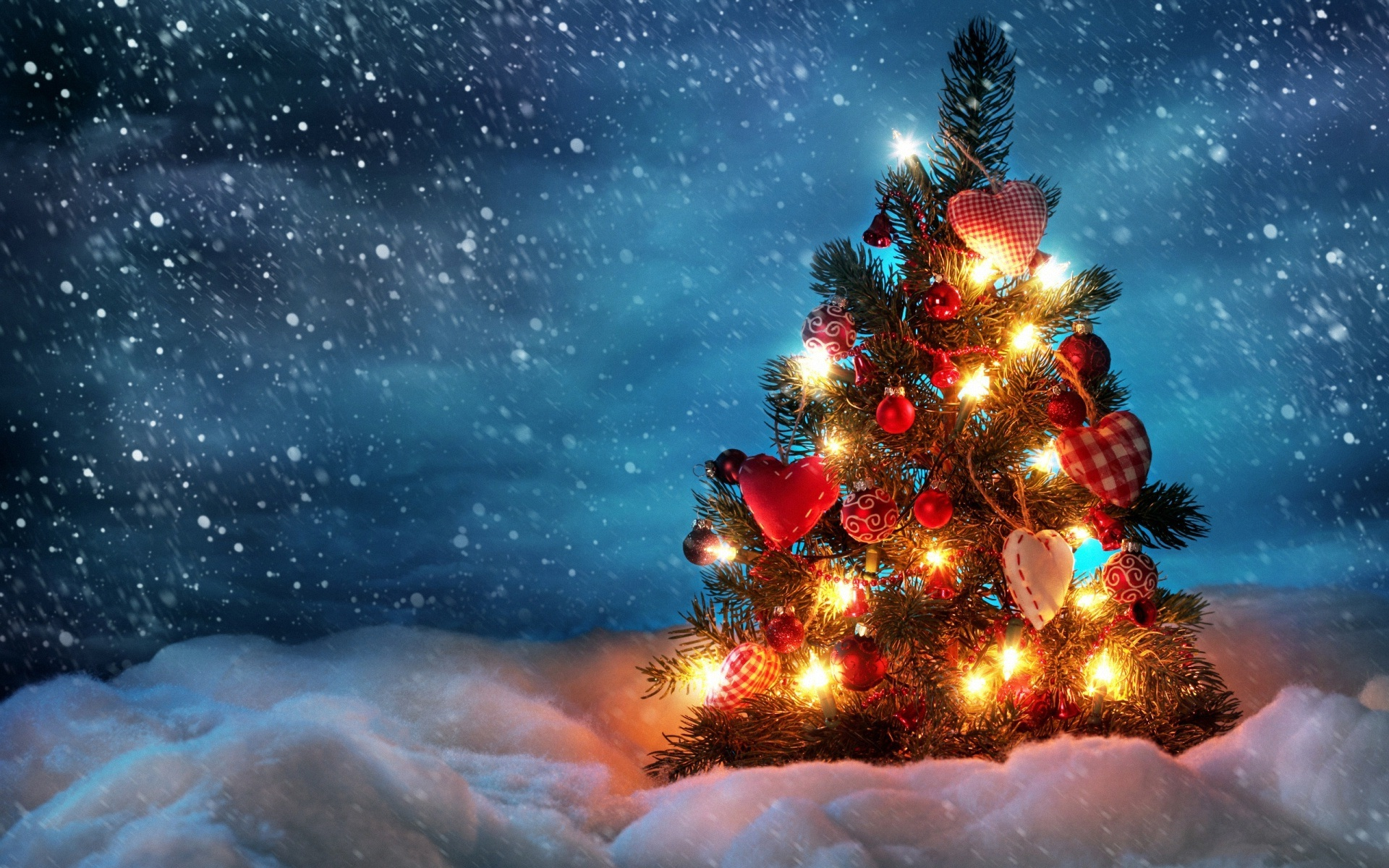 Beautiful christmas tree wallpaper - Beautiful Christmas Tree Wallpaper