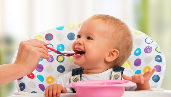 pictures-of-baby-eating-food2