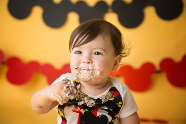 pictures-of-baby-eating-food22