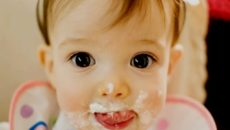 pictures-of-baby-eating-food25