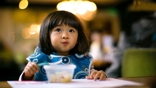 pictures-of-baby-eating-food3