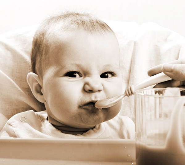 pictures-of-baby-eating-food4