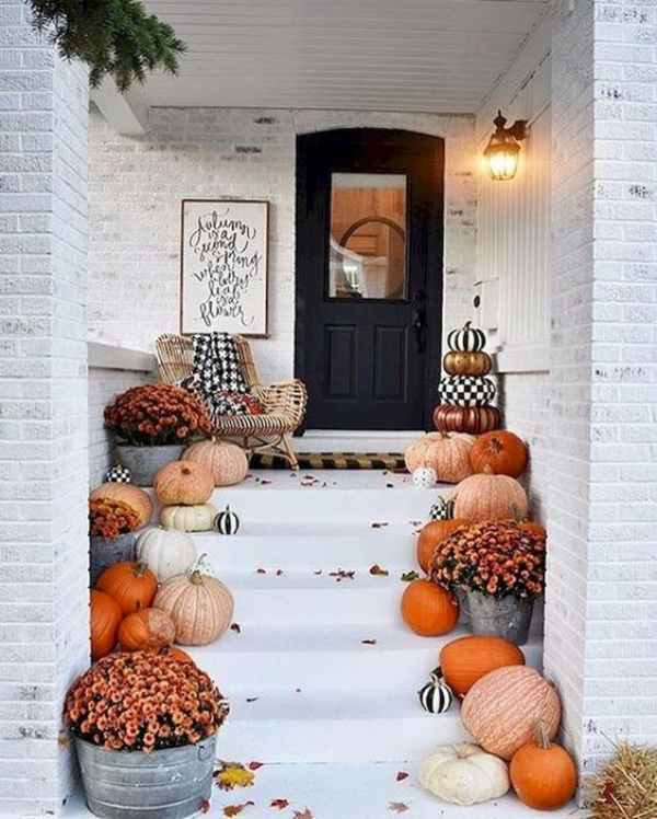 Beautiful-Fall-Porch-Decoration-Ideas-to-Try